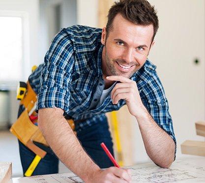 Bauleiter bei der Arbeit