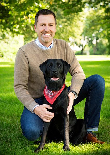 Herr Becker mit deinem Labrador Ayka