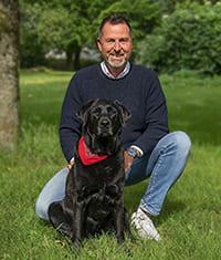 Experte für Pferdeversicherungen, Ralf Becker mit Ayka